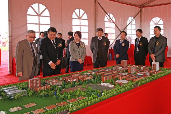 万博科技职业学院新桥校区举行奠基仪式
